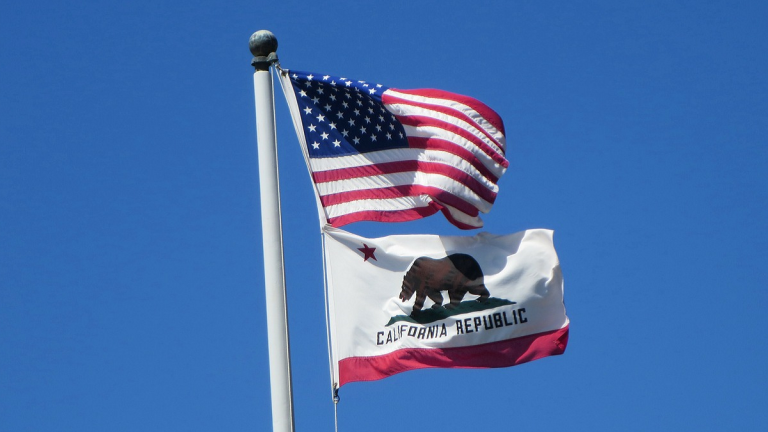 USA and California flags
